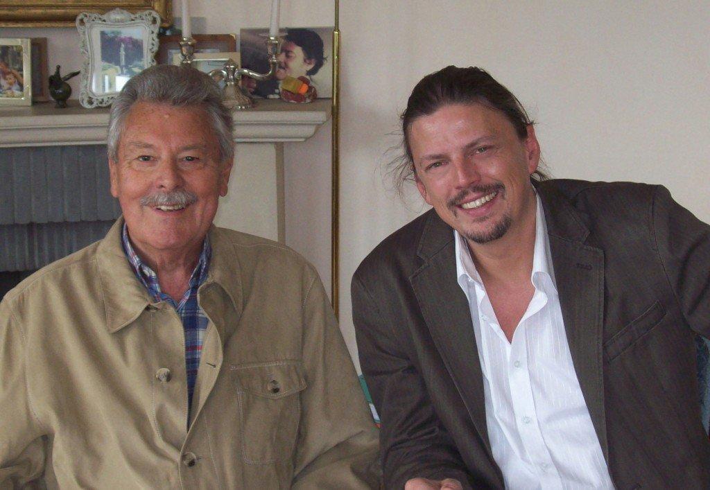 André-Paul Duchâteau & le dessinateur Bernard Swyzen qui a rendu cette interview possible